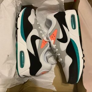 women's nike air max correlate